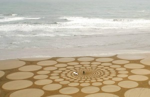 Sand circles drawn by Jim Denevan
