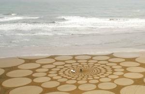 Sand circles drawn by Jim Denevan